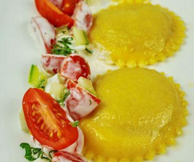 orientalische Süßkartoffelravioli mit Erbse
